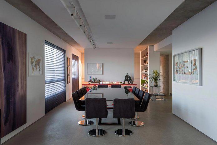 colourful-apartment-belo-horizonte-art-collector-lover-strong-colours-designed-2arquitetos-17