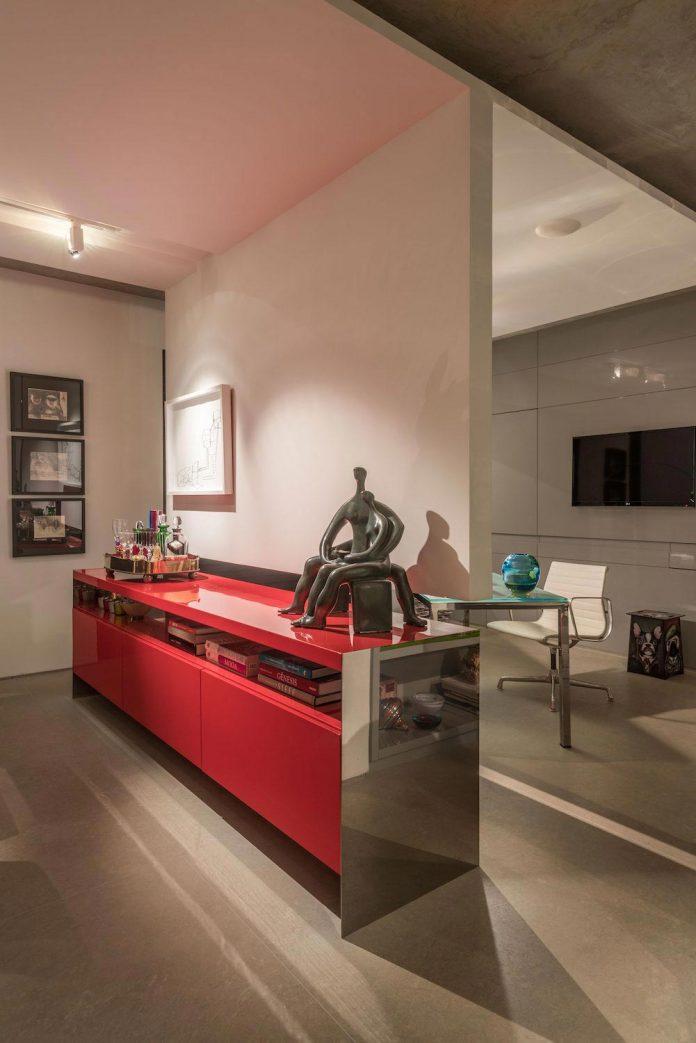 colourful-apartment-belo-horizonte-art-collector-lover-strong-colours-designed-2arquitetos-18
