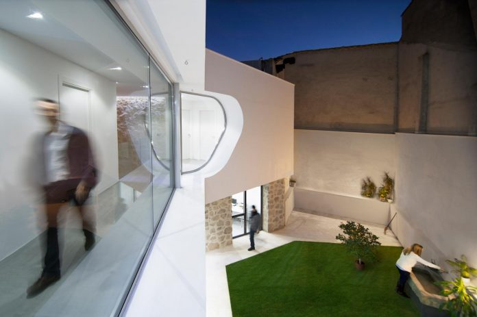 comprehensive-rebuild-peraleda-house-losada-garcia-located-small-historic-town-caceres-spain-06