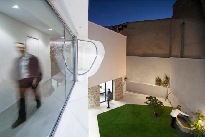 comprehensive-rebuild-peraleda-house-losada-garcia-located-small-historic-town-caceres-spain-06