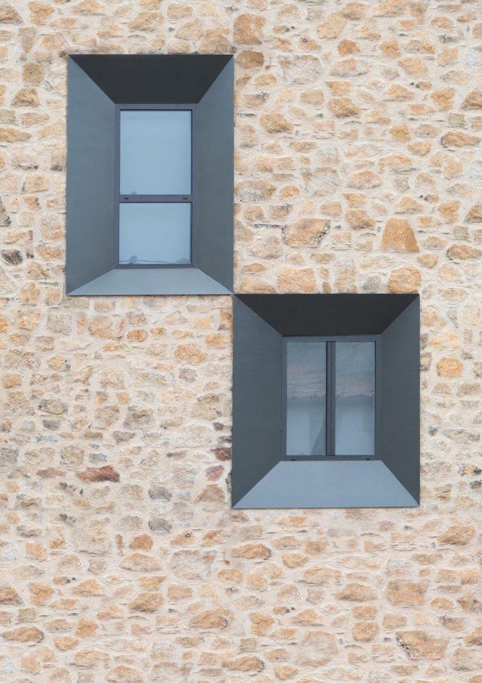 comprehensive-rebuild-peraleda-house-losada-garcia-located-small-historic-town-caceres-spain-12