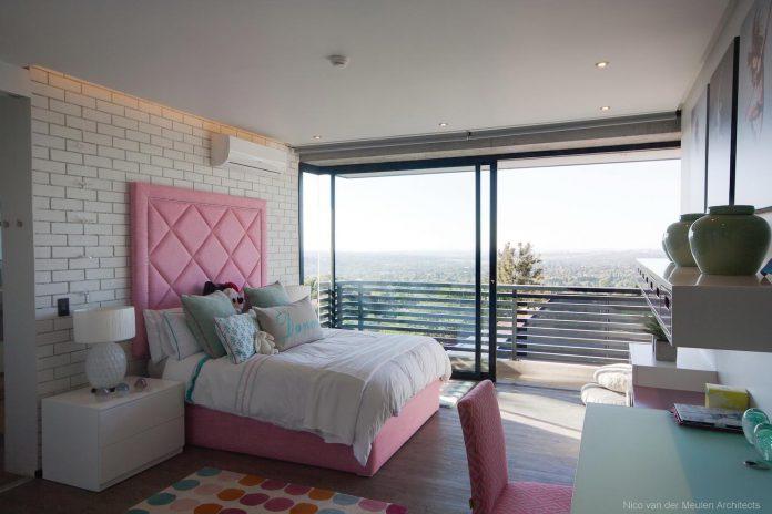 concrete-house-masterpiece-nico-van-der-meulen-architects-m-square-lifestyle-design-44
