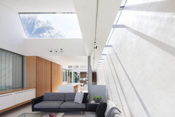 contemporary-bright-single-family-house-located-sydney-marston-architects-02