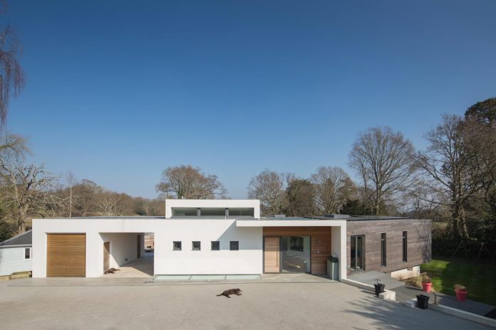contemporary-highly-sustainable-energy-efficient-family-home-hampshire-witcher-crawford-02