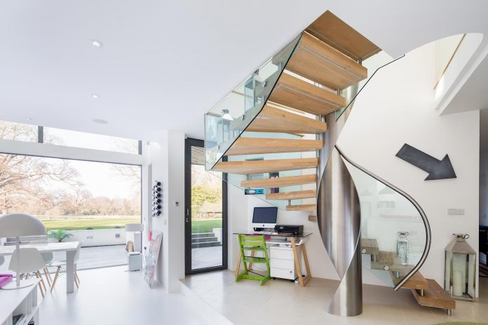 contemporary-highly-sustainable-energy-efficient-family-home-hampshire-witcher-crawford-06