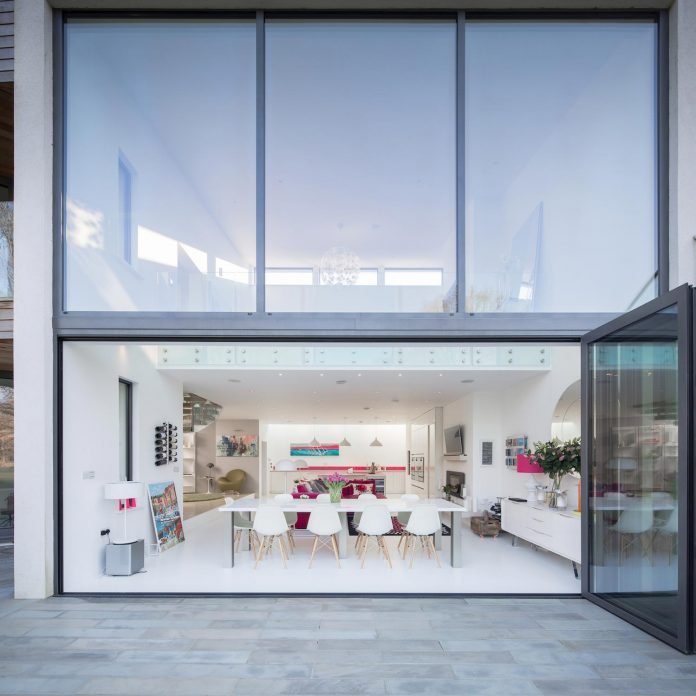 contemporary-highly-sustainable-energy-efficient-family-home-hampshire-witcher-crawford-07