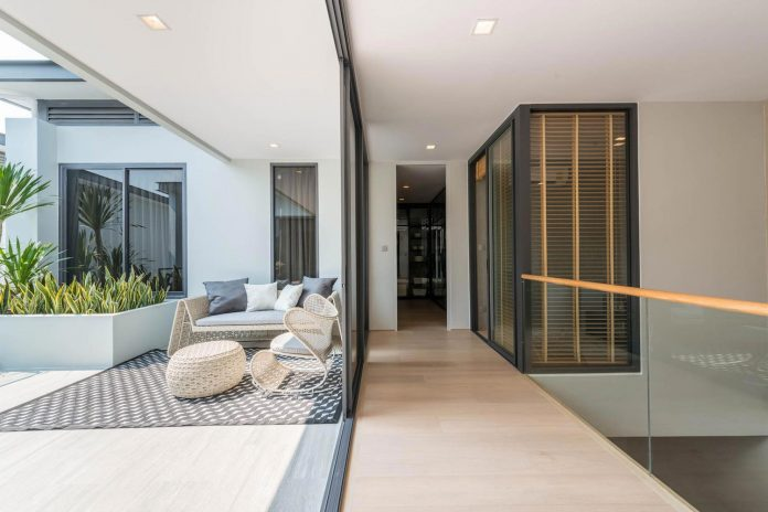contemporary-honor-residence-podesign-15