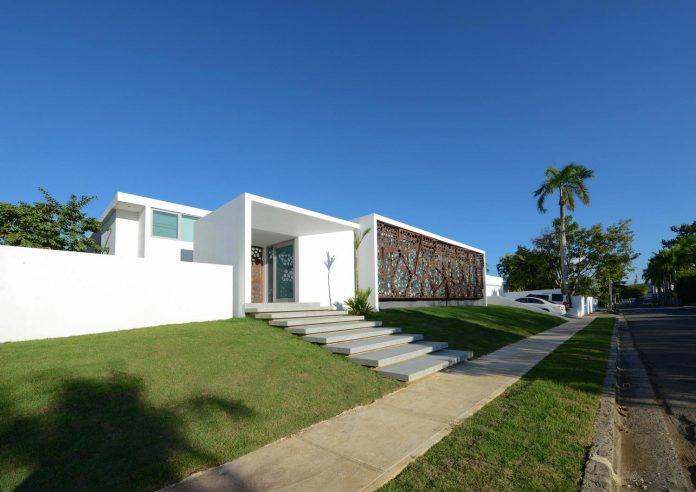 contemporary-huge-house-san-juan-diaz-paunetto-arquitectos-01