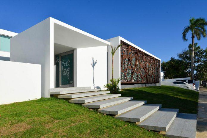 contemporary-huge-house-san-juan-diaz-paunetto-arquitectos-02