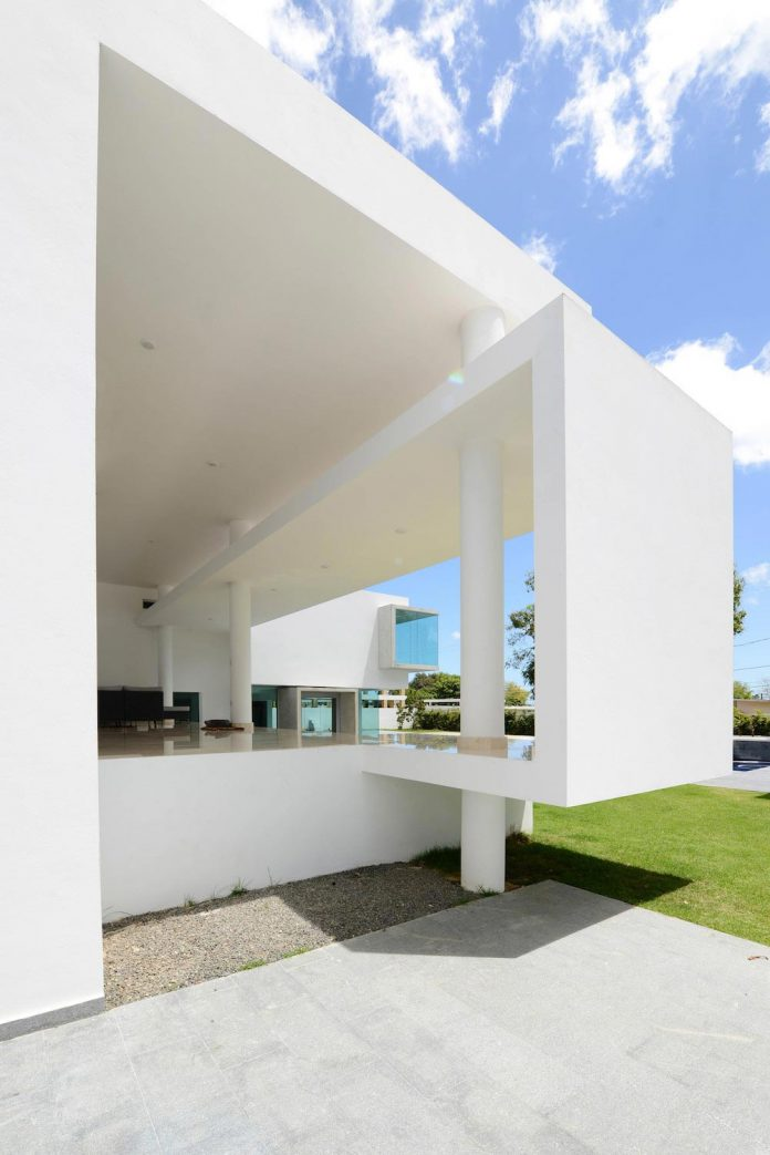 contemporary-huge-house-san-juan-diaz-paunetto-arquitectos-15