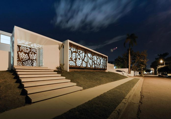 contemporary-huge-house-san-juan-diaz-paunetto-arquitectos-17
