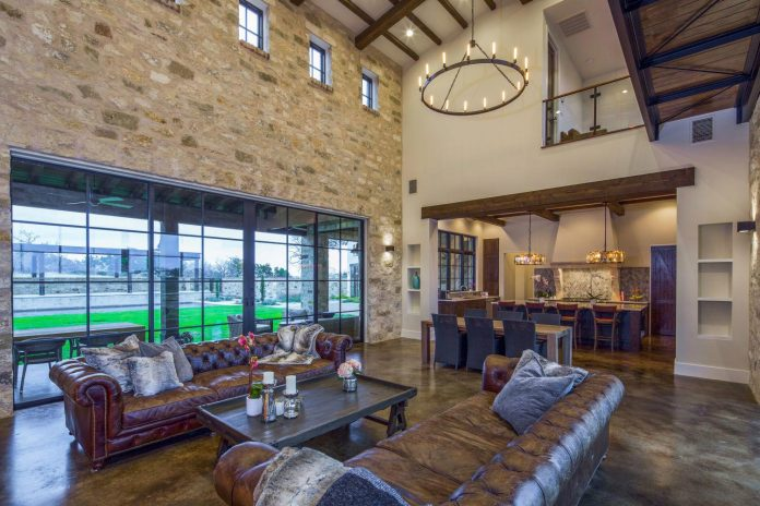 contemporary-italian-farmhouse-texas-rustic-style-steel-elements-designed-vanguard-studio-inc-05