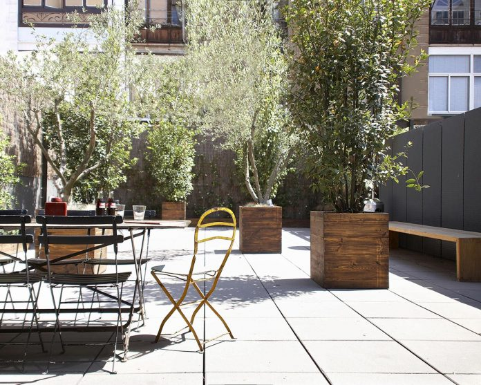 contemporary-open-plan-space-apartment-barcelona-designed-gca-architects-03