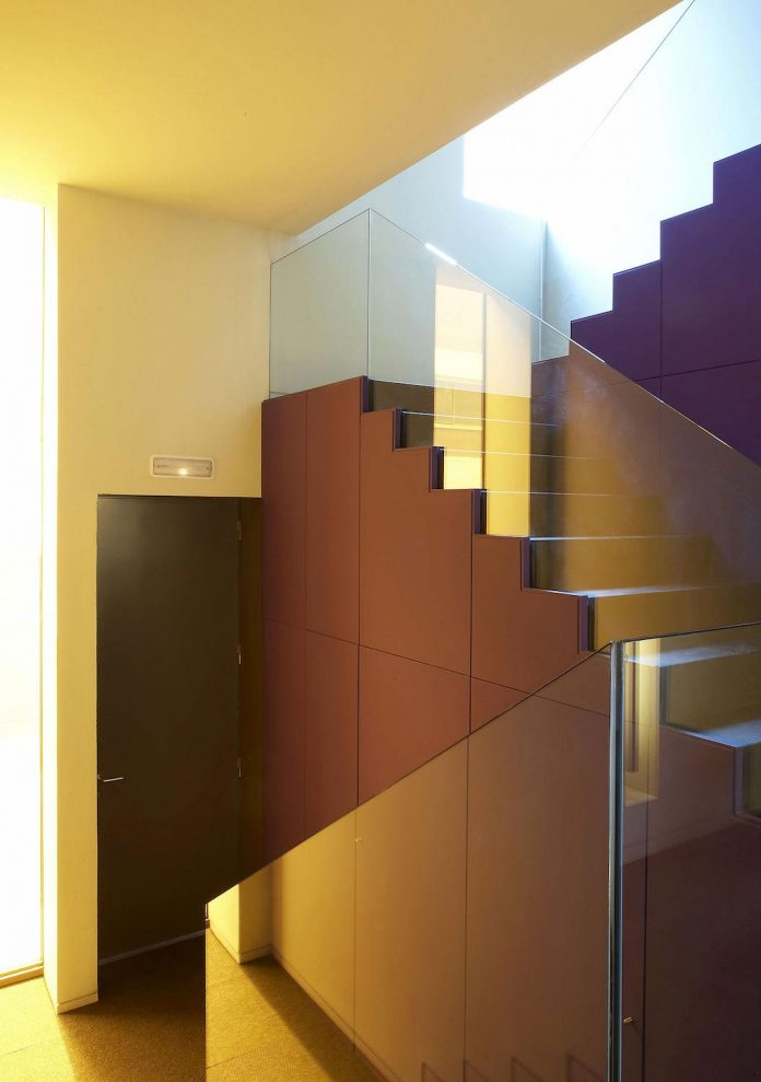 contemporary-open-plan-space-apartment-barcelona-designed-gca-architects-13