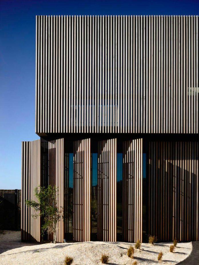 contemporary-torquay-house-victoria-australia-designed-wolveridge-architects-05
