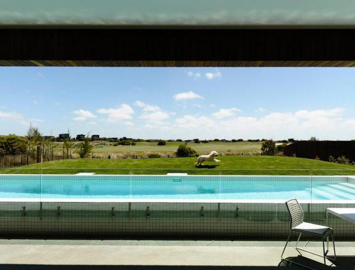 contemporary-torquay-house-victoria-australia-designed-wolveridge-architects-07