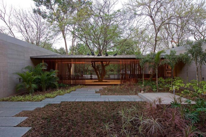 contemporary-two-storey-diya-residence-located-ahmedabad-india-spasm-design-architects-05