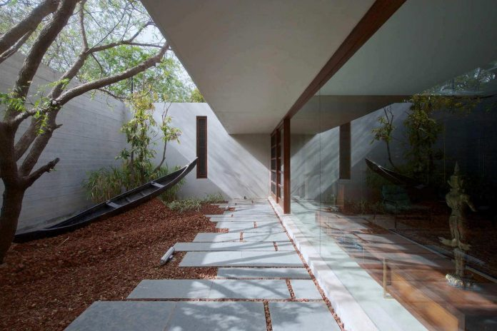 contemporary-two-storey-diya-residence-located-ahmedabad-india-spasm-design-architects-09