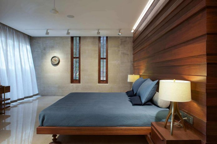 contemporary-two-storey-diya-residence-located-ahmedabad-india-spasm-design-architects-19