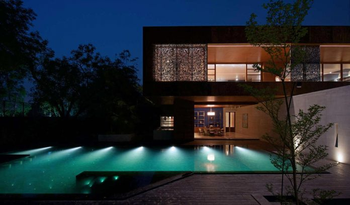 contemporary-two-storey-diya-residence-located-ahmedabad-india-spasm-design-architects-22