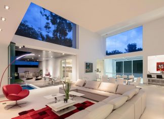 Cumbaya Ultramodern White House by Diego Guayasamin Arquitectos