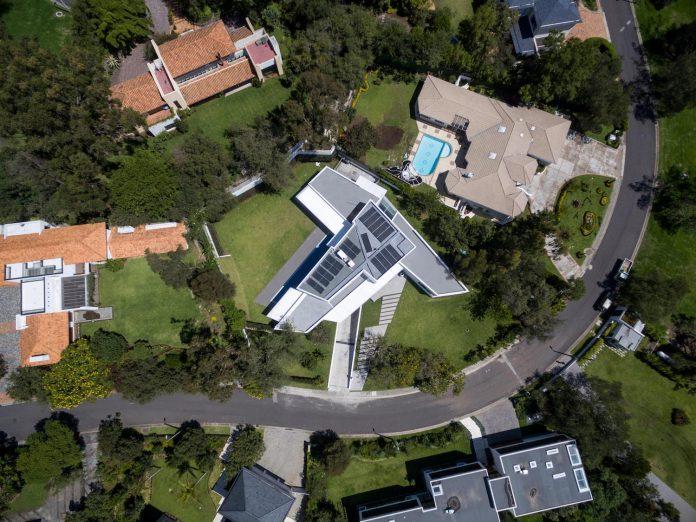 cumbaya-ultramodern-white-house-diego-guayasamin-arquitectos-13