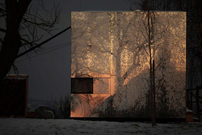 delugan-meissl-associated-architects-design-casa-invisibile-flexible-prefabricated-wood-structure-home-17
