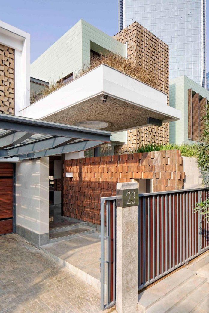 denpassar-traditional-javanese-house-modern-look-designed-atelier-cosmas-gozali-01