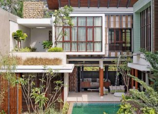 Denpassar Traditional Javanese house with a modern look designed by Atelier Cosmas Gozali