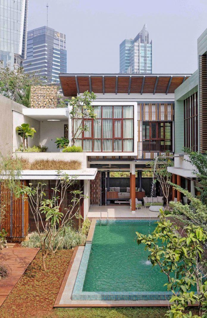 denpassar-traditional-javanese-house-modern-look-designed-atelier-cosmas-gozali-02