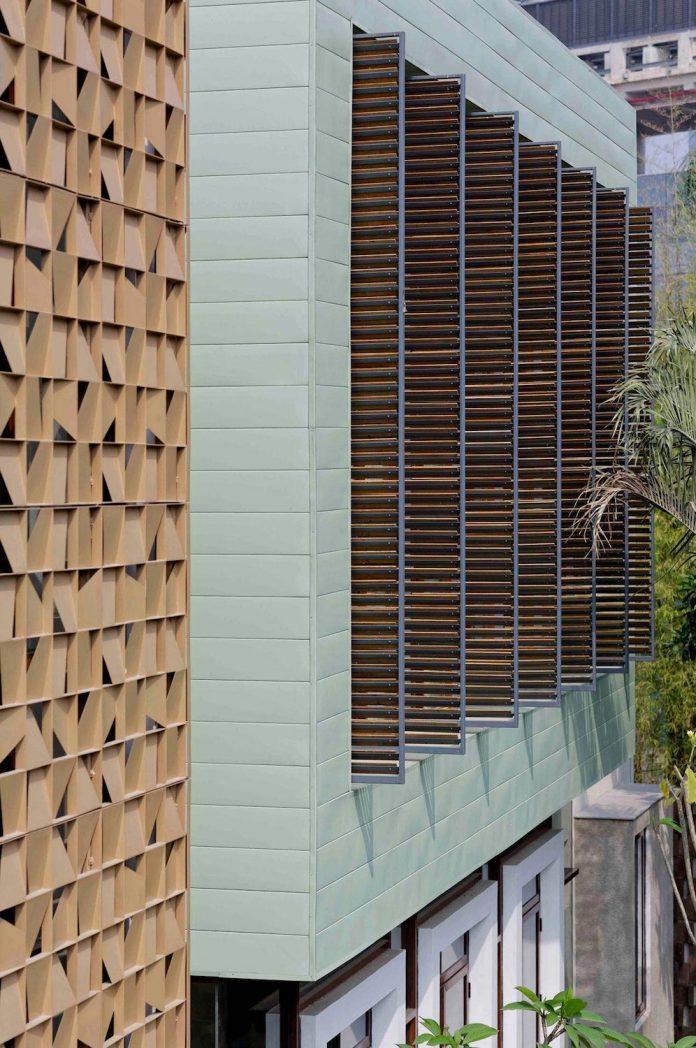 denpassar-traditional-javanese-house-modern-look-designed-atelier-cosmas-gozali-04