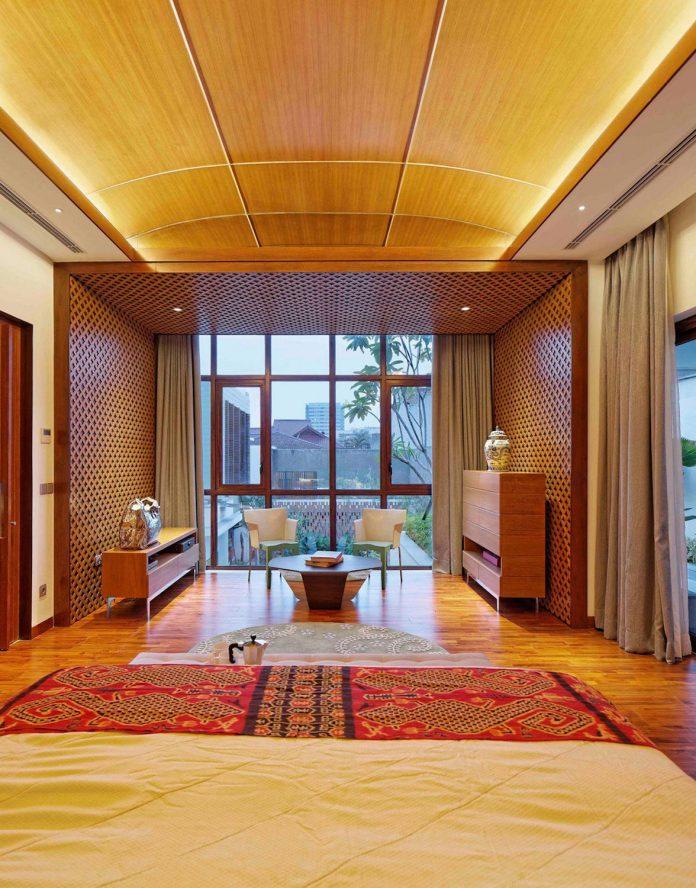 denpassar-traditional-javanese-house-modern-look-designed-atelier-cosmas-gozali-11