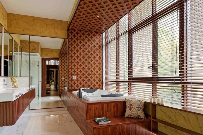 denpassar-traditional-javanese-house-modern-look-designed-atelier-cosmas-gozali-12