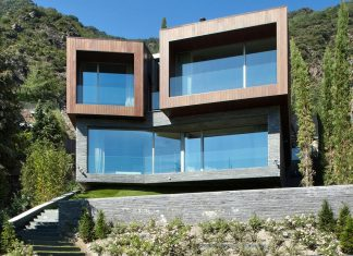 Detached Family House with awesome views designed by the Spanish firm GCA Architects