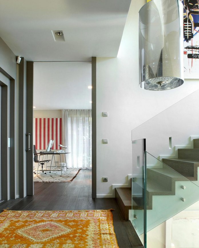 detached-family-house-awesome-views-designed-spanish-firm-gca-architects-08