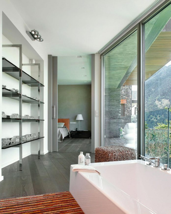 detached-family-house-awesome-views-designed-spanish-firm-gca-architects-11