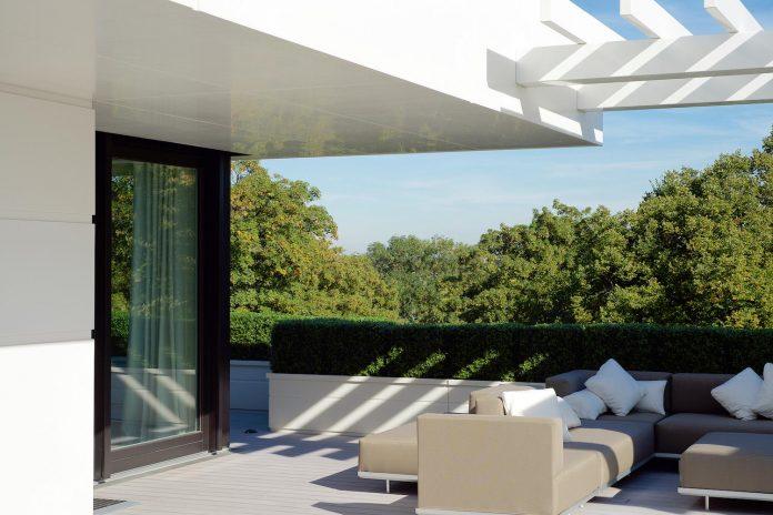 dream-penthouse-hi-macs-shines-roofs-hamburg-01