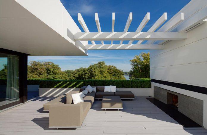 dream-penthouse-hi-macs-shines-roofs-hamburg-03