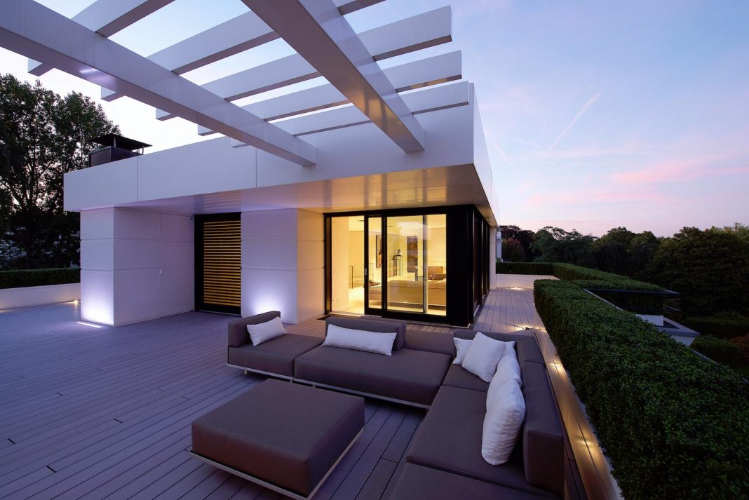 A dream Penthouse: HI-MACS® shines above the roofs of Hamburg
