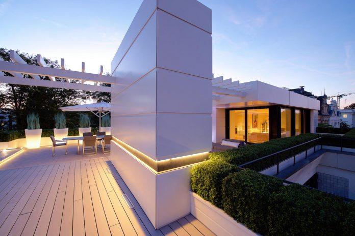 dream-penthouse-hi-macs-shines-roofs-hamburg-09