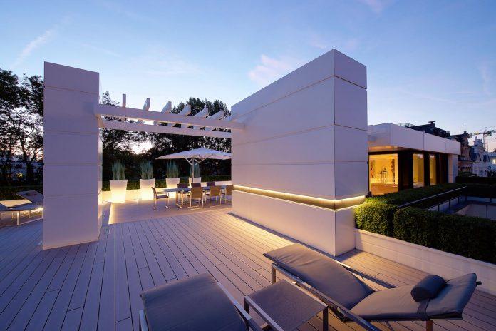 dream-penthouse-hi-macs-shines-roofs-hamburg-10