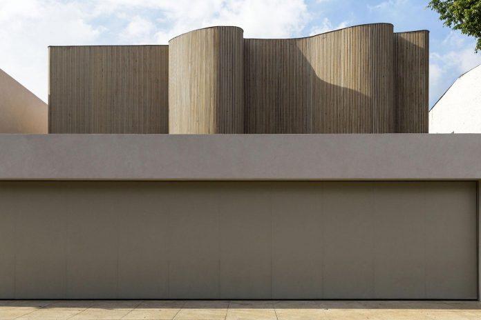 ds-house-gets-renovation-contemporary-villa-sao-paulo-01