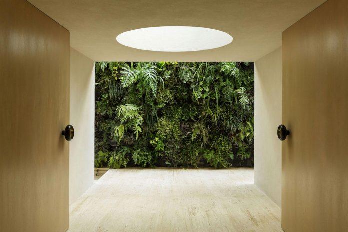 ds-house-gets-renovation-contemporary-villa-sao-paulo-02