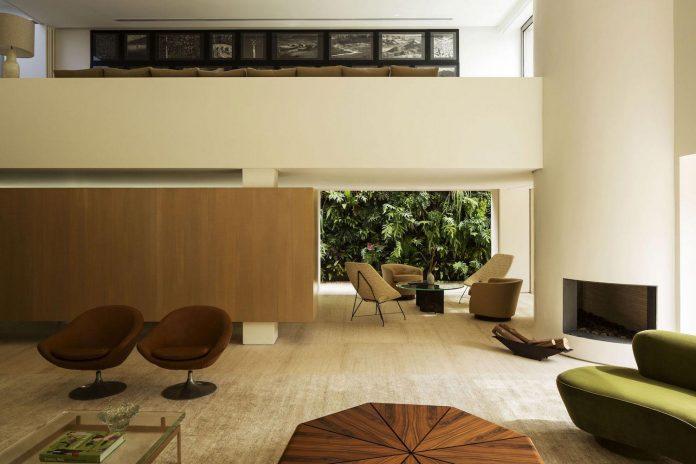ds-house-gets-renovation-contemporary-villa-sao-paulo-06