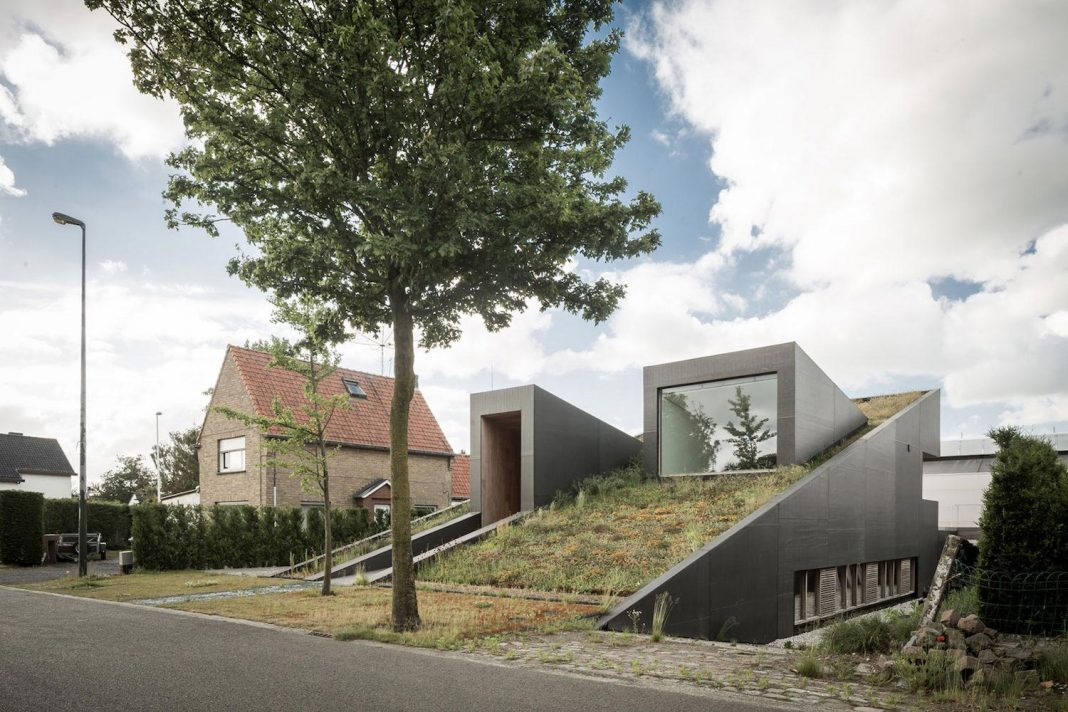 Ecological and compact House PIBO designed by OYO