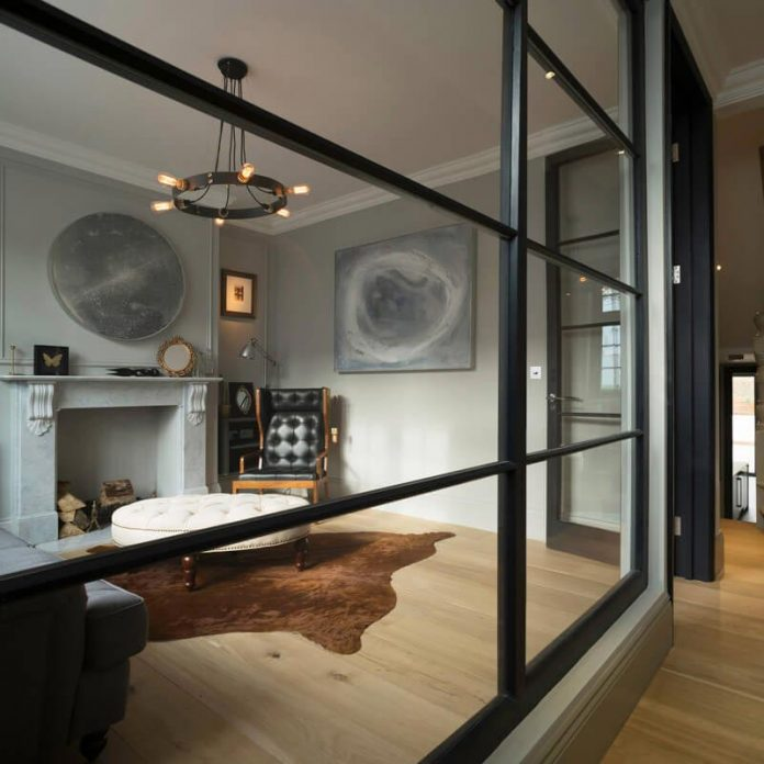 elegant-home-situated-old-edwardian-mews-house-south-west-london-02
