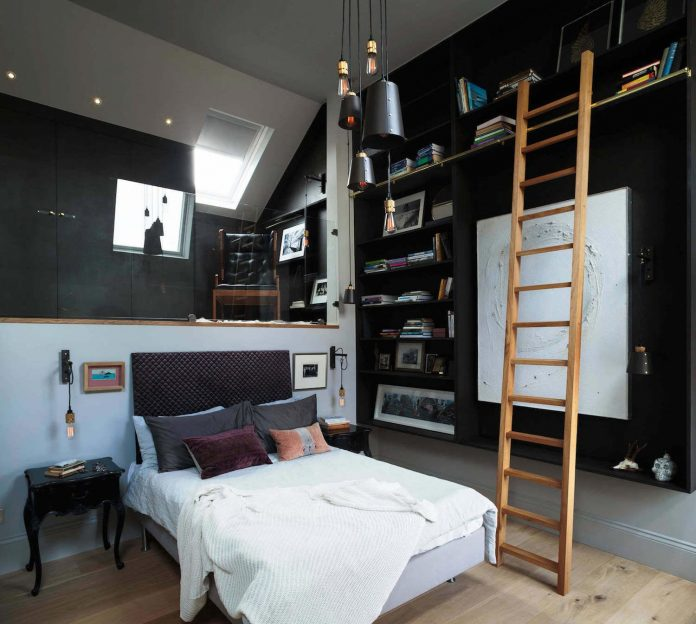 elegant-home-situated-old-edwardian-mews-house-south-west-london-03