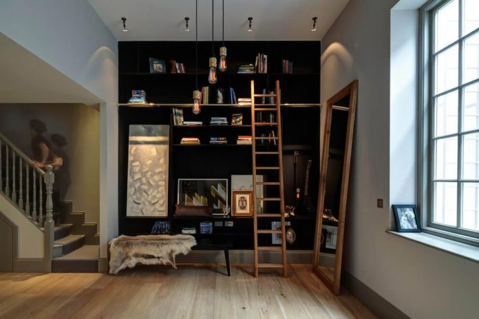 elegant-home-situated-old-edwardian-mews-house-south-west-london-04