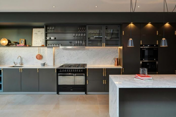 elegant-home-situated-old-edwardian-mews-house-south-west-london-07