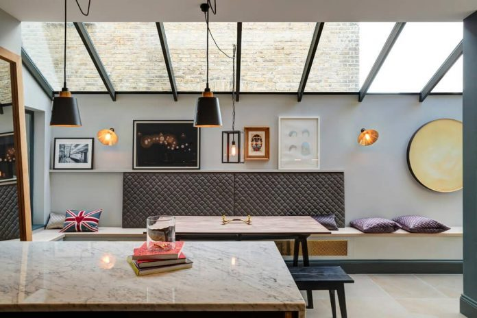 elegant-home-situated-old-edwardian-mews-house-south-west-london-09